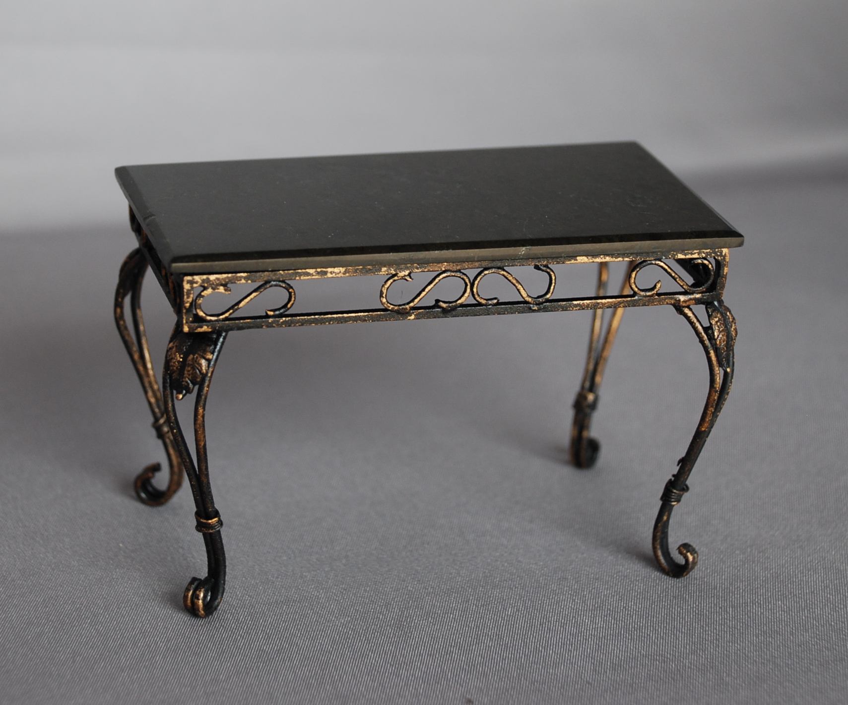 Great Wrought Iron Table with Granite Top 1709 x 1422 · 763 kB · jpeg